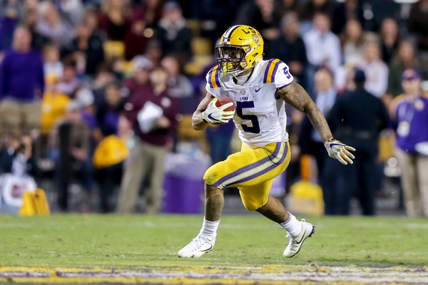 LSU Tigers running back Derrius Guice (5) runs against the Texas A M Aggies  during dce1dae12