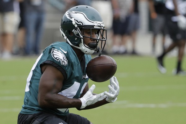 Philadelphia Eagles running back Darren Sproles catches a ball during an NFL football training camp in Philadelphia.