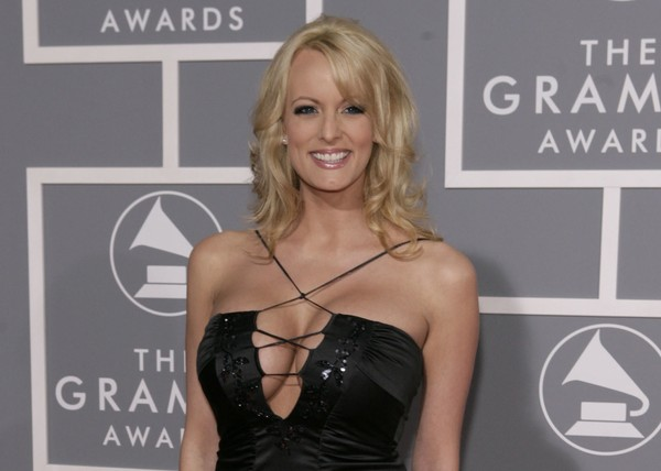 Porn star will return $130000 - if she can talk about Trump