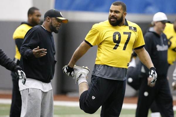 Steelers defensive end Cameron Heyward earned his first career All-Pro selection, announced Friday. Antonio Brown, Le'Veon Bell and David DeCastro joined him as first-team picks. (AP Photo/Gene J. Puskar)