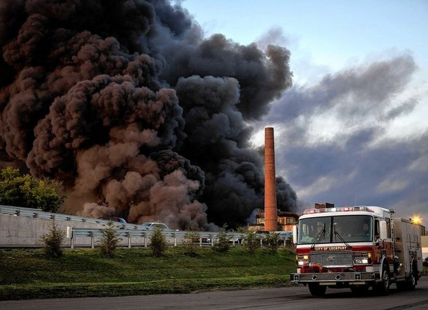 lockport fire  u0026 39 maliciously u0026 39  set by kids  tire recycling plant owner says  report