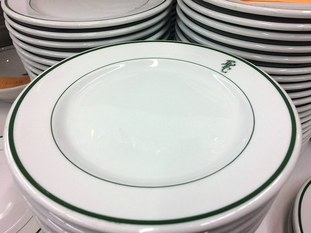 Smithu0027s Restaurant Supply has 1000s of Syracuse China pieces for sale & Smithu0027s Restaurant Supply has 1000s of Syracuse China pieces for ...