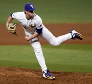 LSU baseball tries to avoid being swept at South Carolina: Live updates