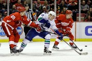 Vancouver Canucks 3, Detroit Red Wings 2